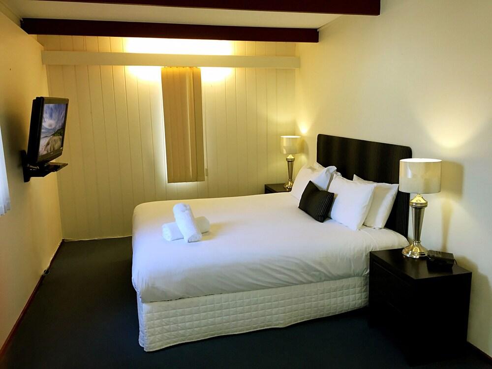 Gallery image of Admiral Motor Inn