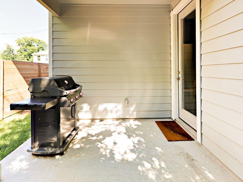 Walk To Lady Bird Lake Sleek & Modern East Austin 2br 2 Bedroom Home
