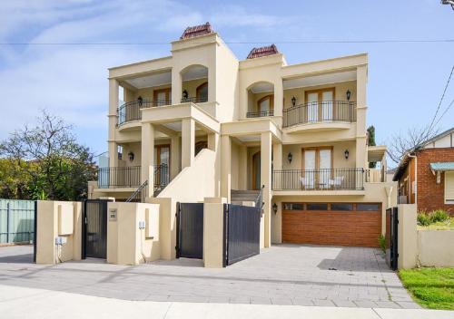 Aria House