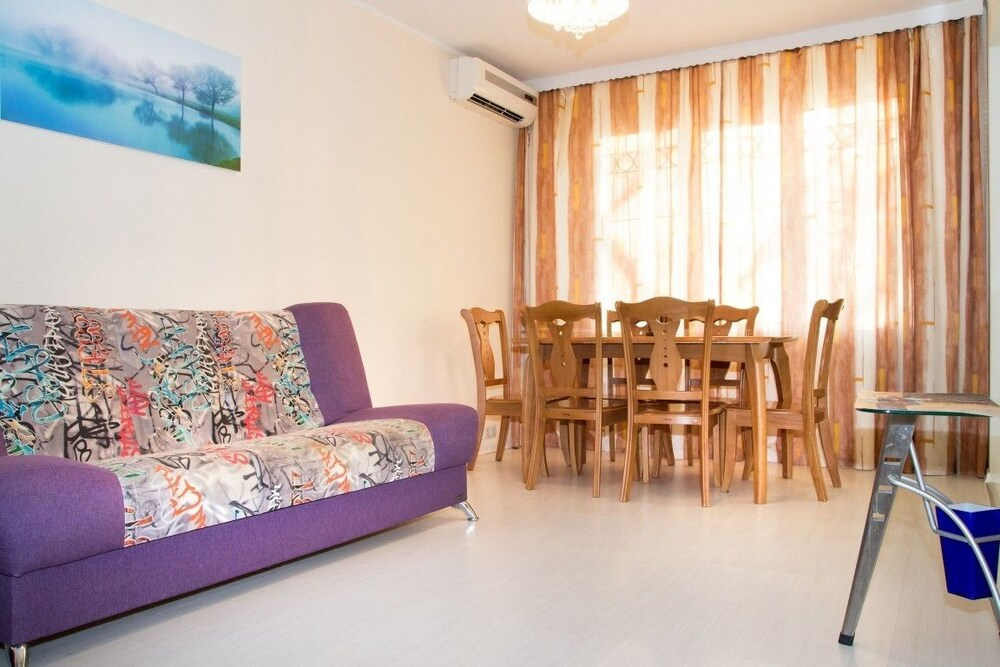 Apartment on Ostryakova St. 3