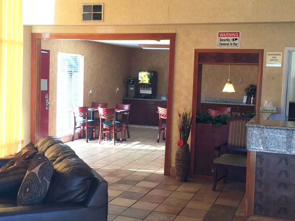 Gallery image of SureStay Plus Hotel by Best Western Sacramento North