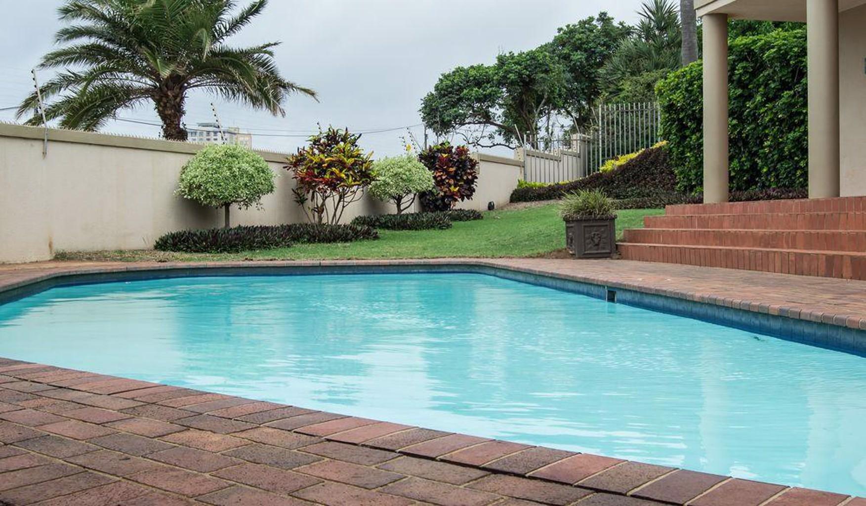 The Shades Luxury Garden Apartment