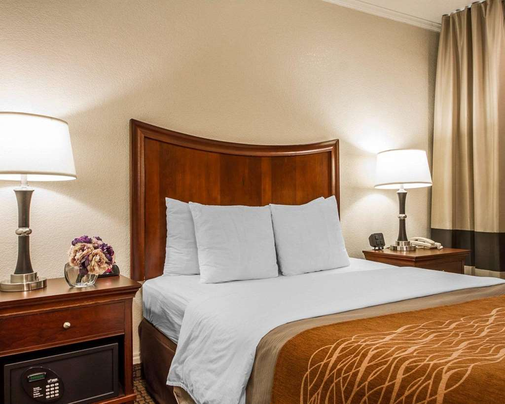 Gallery image of Comfort Inn Monterey Bay