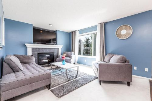Entire Charming And Relaxing Home Away From Home Near Calgary's Spruce Meadows