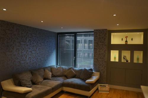2 Bedroom Apartment Close to Piccadilly Train Station Edge of the Northern Quarter