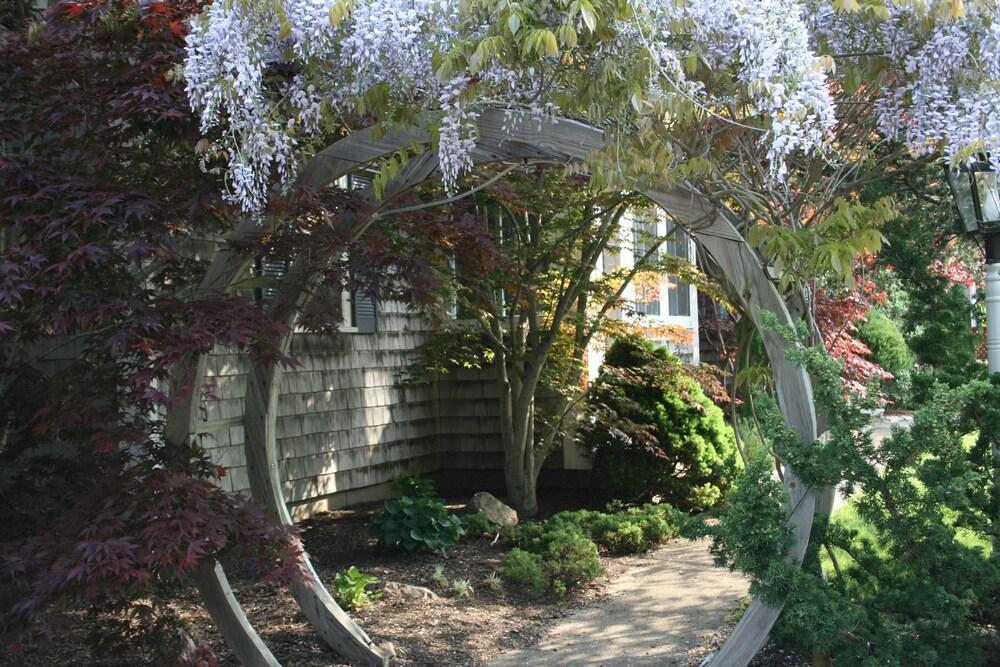 Gallery image of Pleasant Bay Village Resort