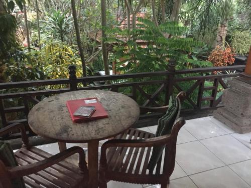 Wahyu Bungalows With Garden View