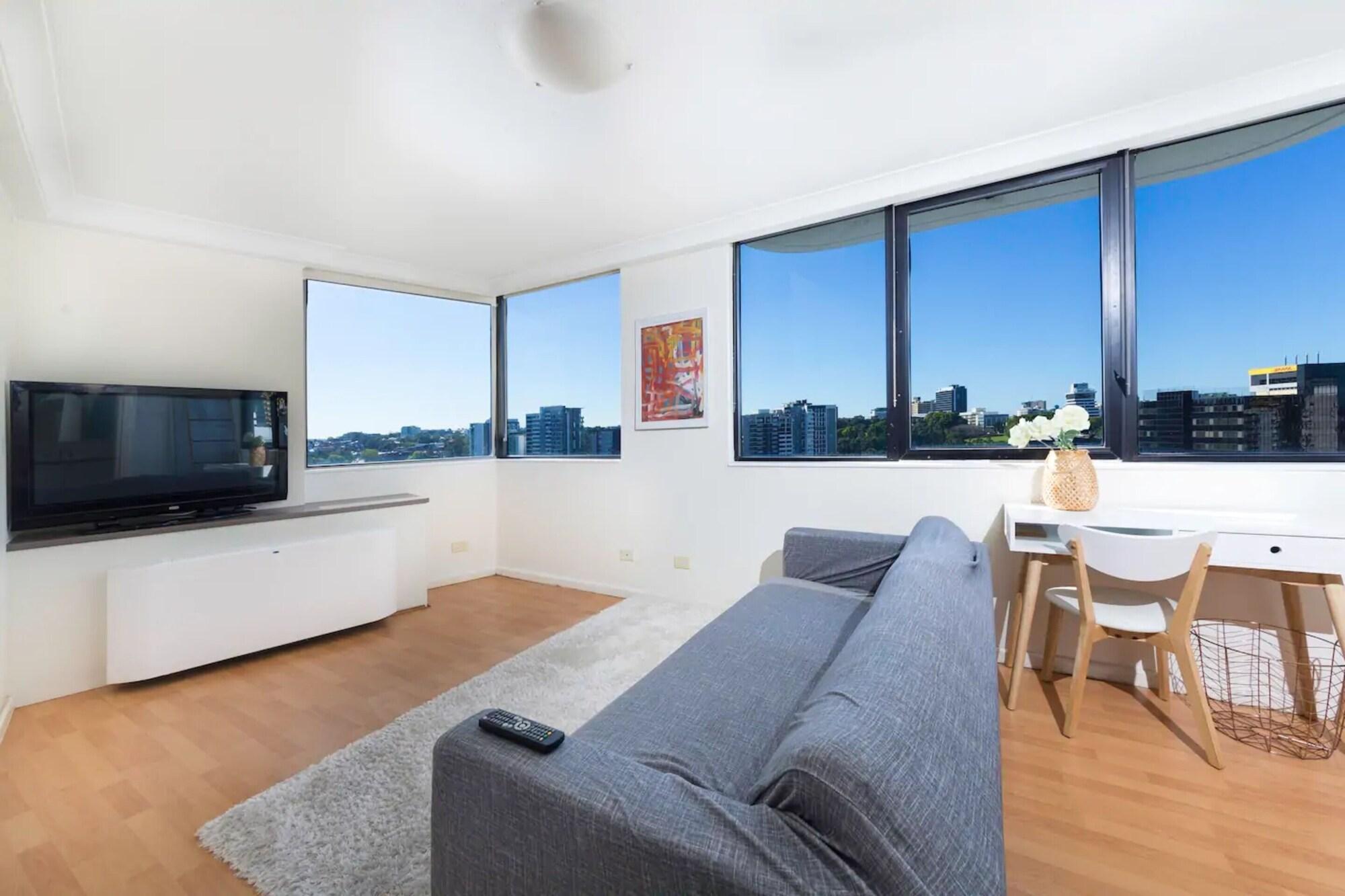 1 Bedroom Apartment In CBD Views