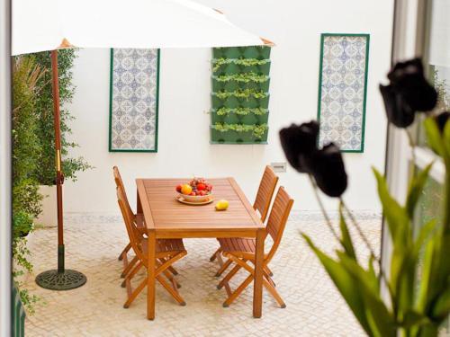 Lisbon Colours Bairro Alto Apartments