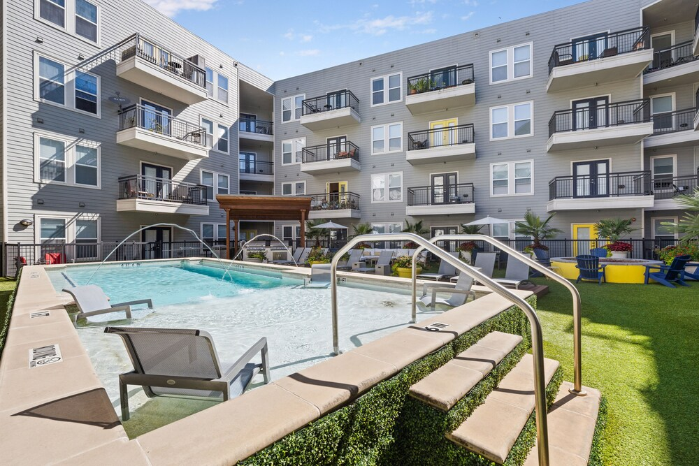 Kasa Dallas West End Apartments