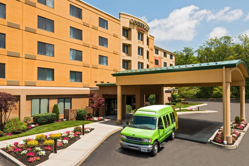 Courtyard By Marriott Providence Lincoln