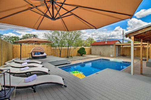 Luxe Home with Pool 4 Mi to ABQ Balloon Fiesta Park