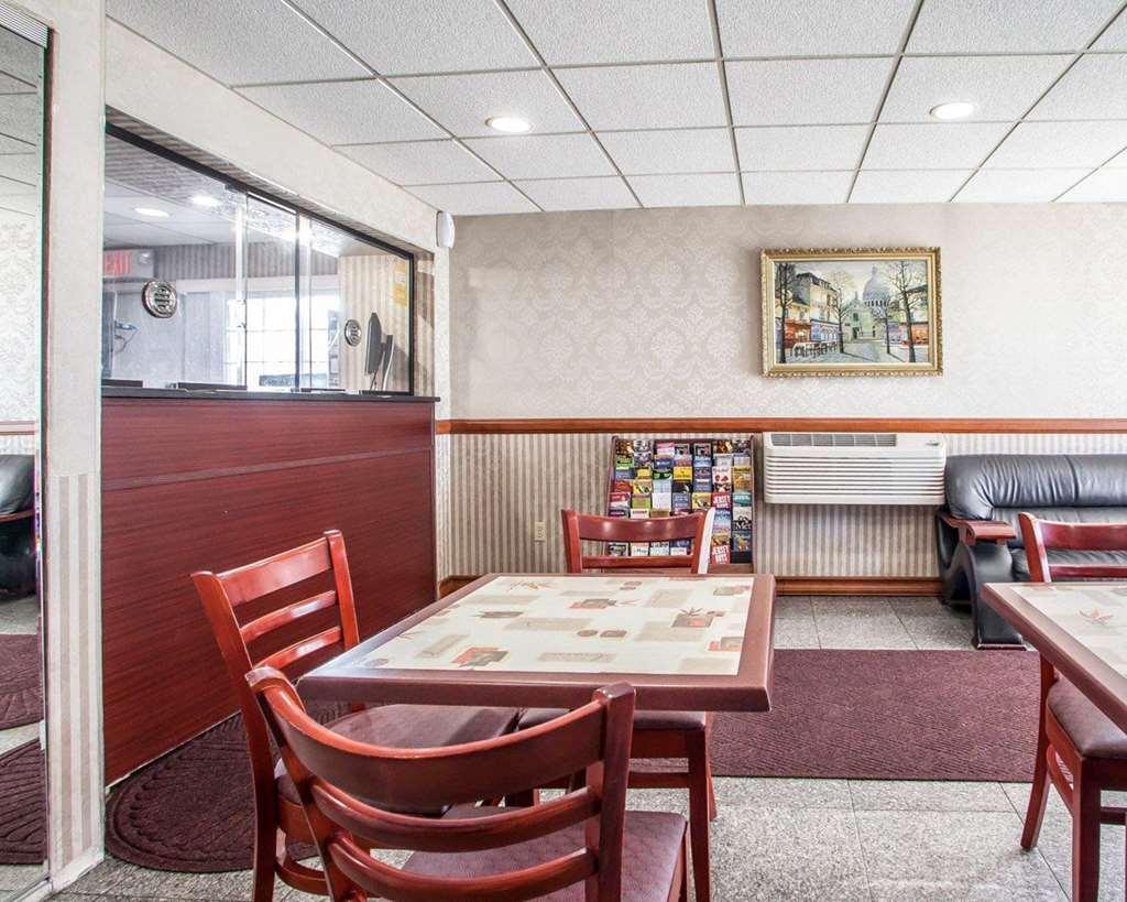 Gallery image of Rodeway Inn Jersey City near Hoboken