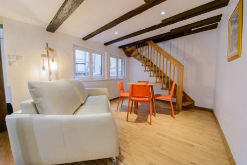 Cosy & quiet flat in historical lively center of Strasbourg