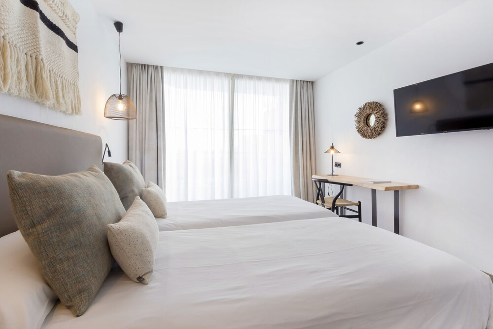 Gallery image of Hotel Sa Clau by Mambo