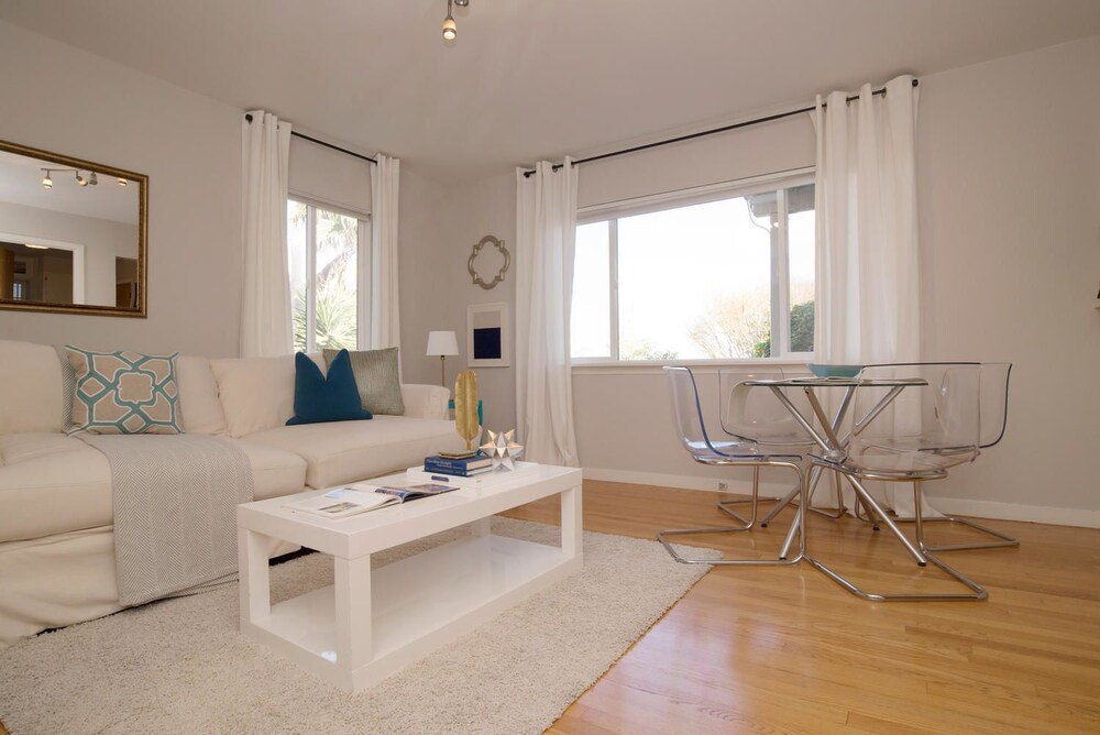 Charming & Cozy Dolores Park Condo by RedAwning