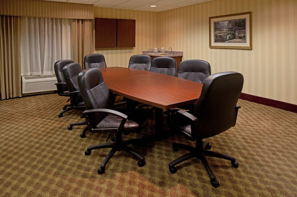 Gallery image of Holiday Inn Express Hotel & Suites Lexington Hwy 378