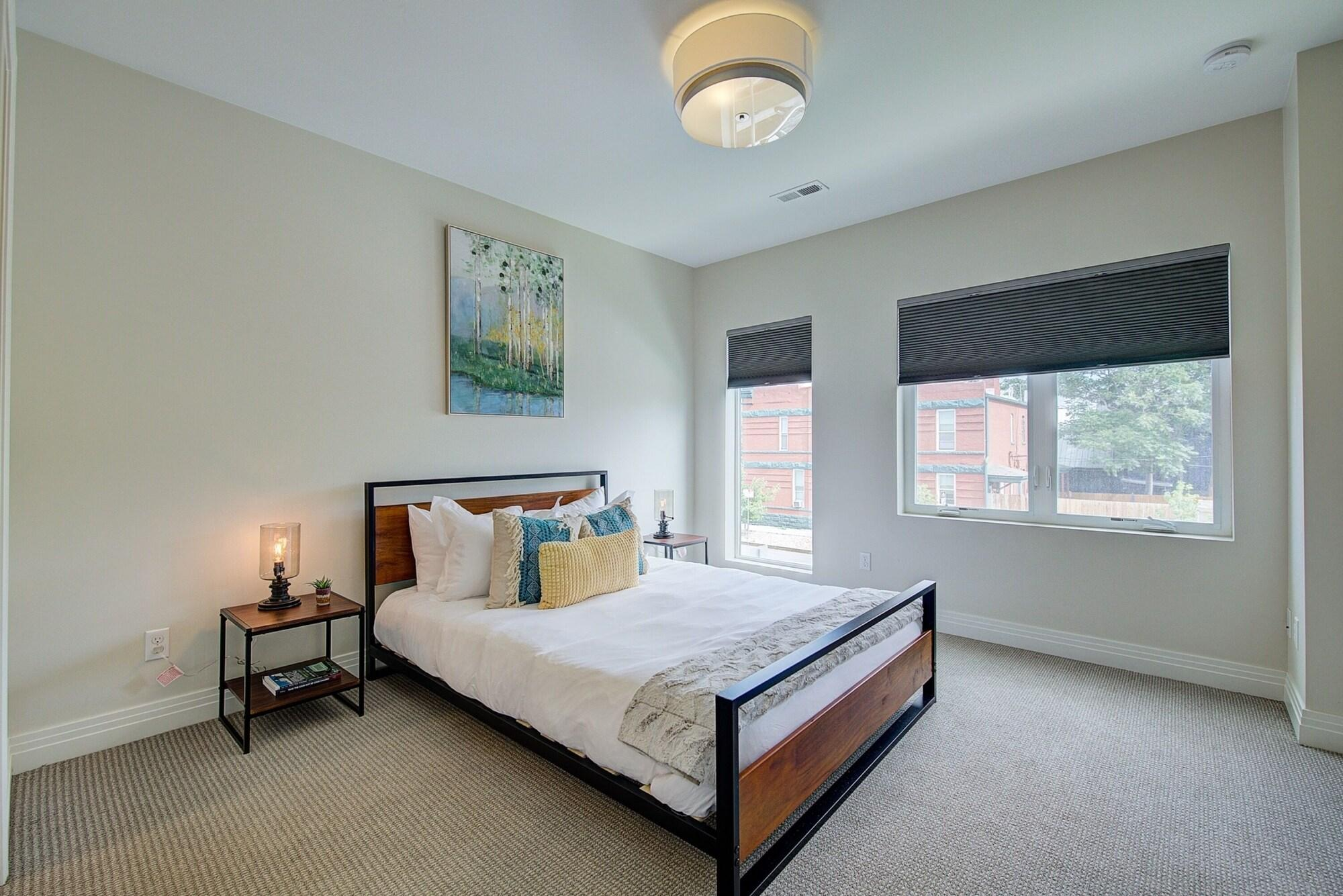 Townhome Near RiNo With Rooftop Patio