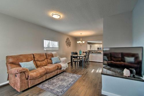 Modern Apartment 5 Mi from Downtown Denver