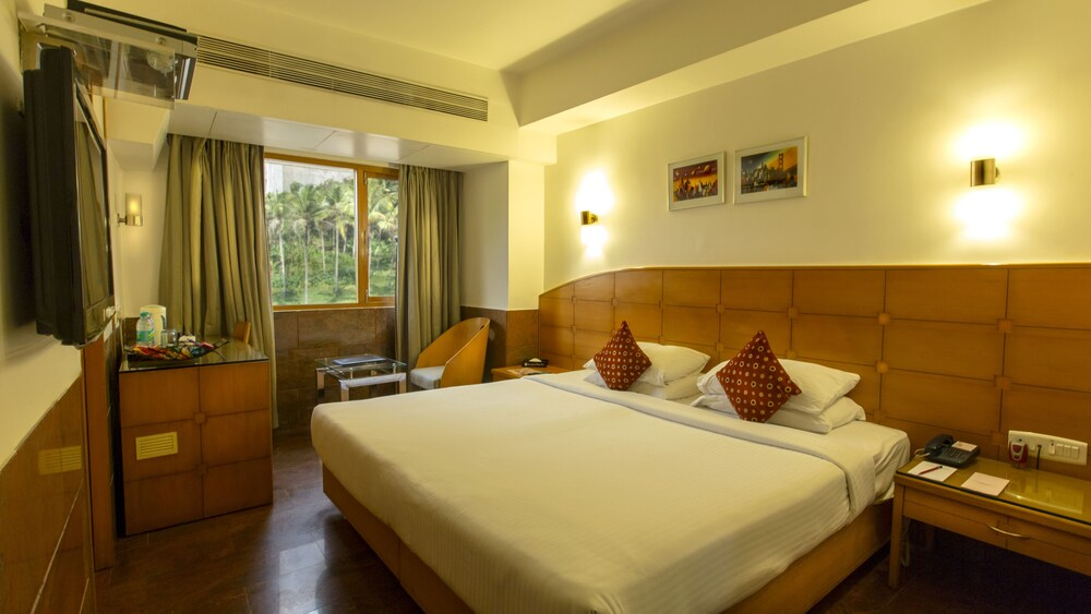 Ramee Guestline Khar Hotel