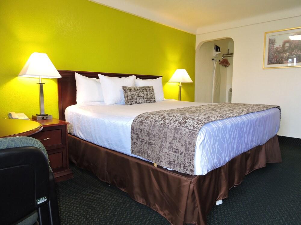 Gallery image of Rodeway Inn
