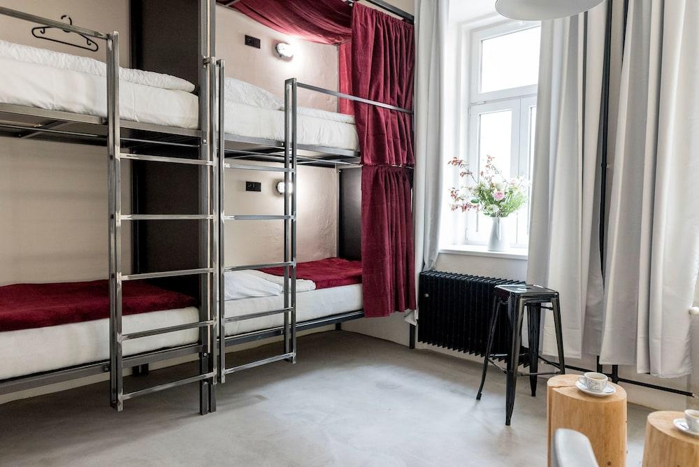 Gallery image of Wake Up Wellness Hostel