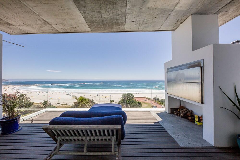 15 Views Penthouse