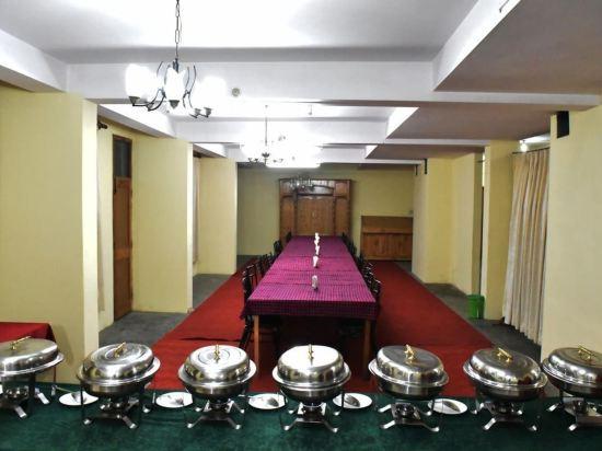 Gallery image of Hotel Satkar Residency