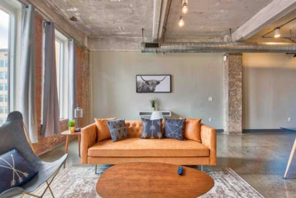 Downtown Luxury Lofts By RBA Living