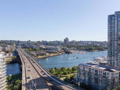 Vancouver Smithe Apartment
