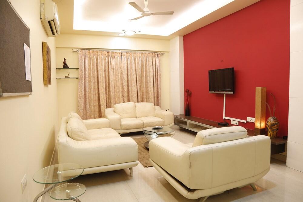 Seven Serviced Apartment Bandra