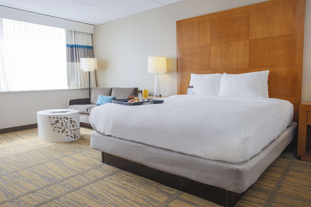 DoubleTree by Hilton Rochester