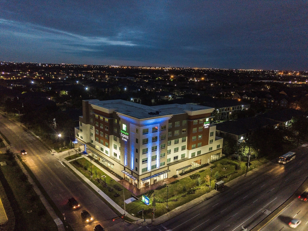 Holiday Inn Express & Suites Houston Westchase Westheimer