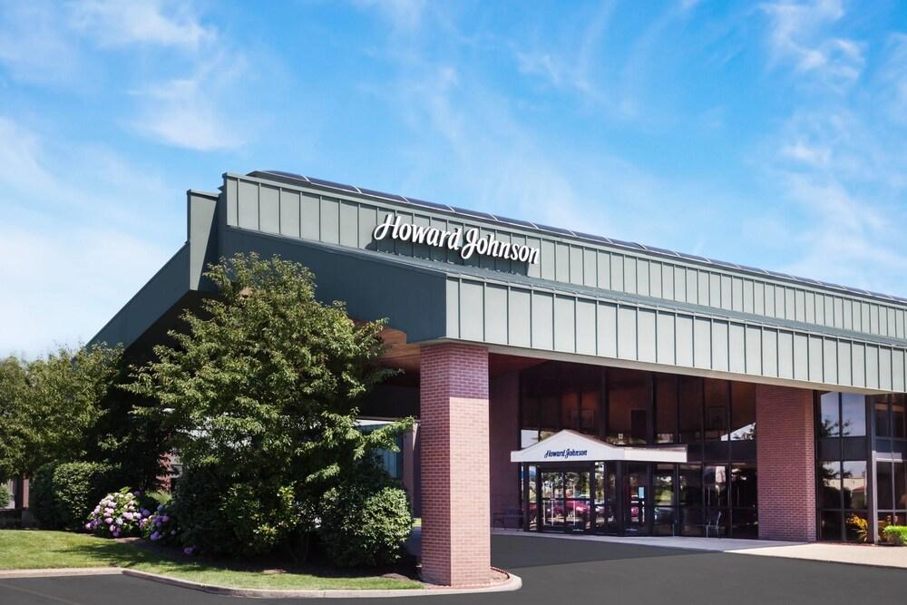 Gallery image of Howard Johnson by Wyndham Evansville East