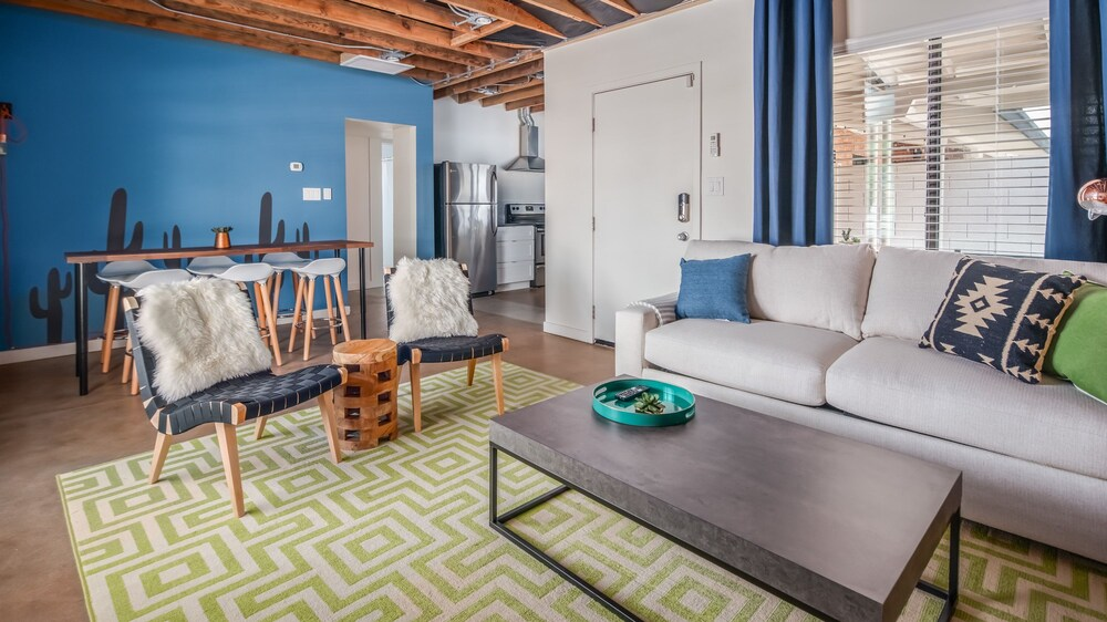 Industrial 2br Apt In Central Phx By Wanderjaunt