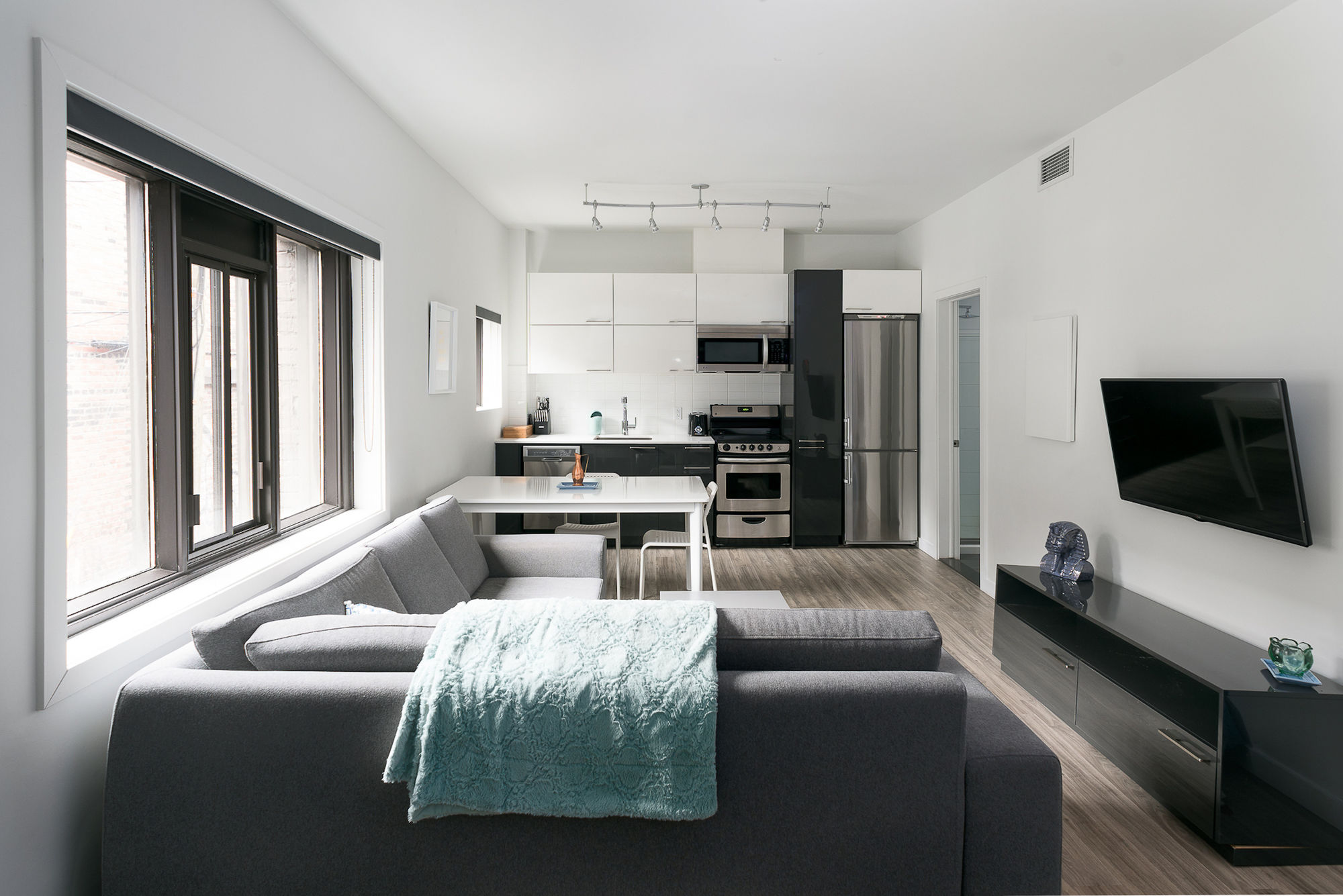 Contemporary 1BR in Downtown MTL by Sonder