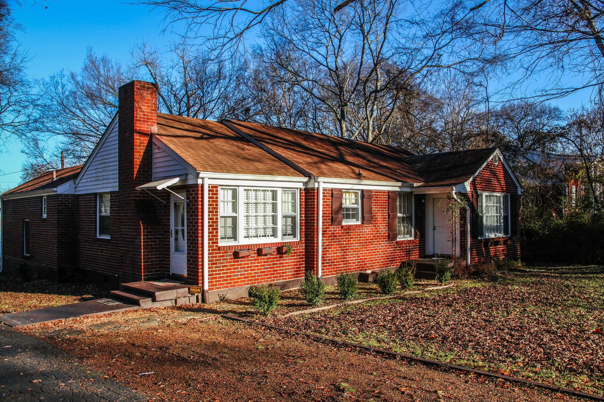 Charming Nashville Cottage 15 min to Downtown