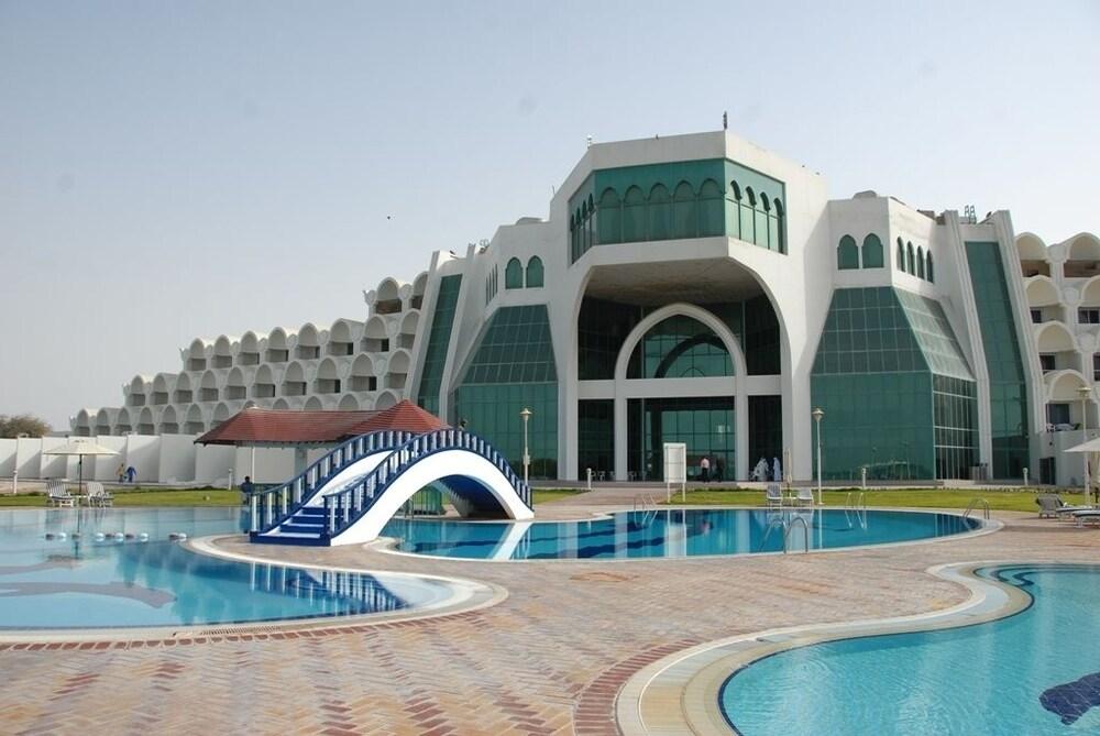 Mirfa Hotel