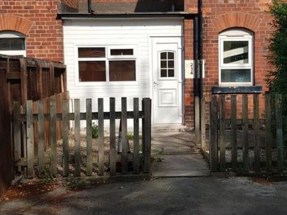 Lovely Holiday Home in Leeds Near Roundhay Park