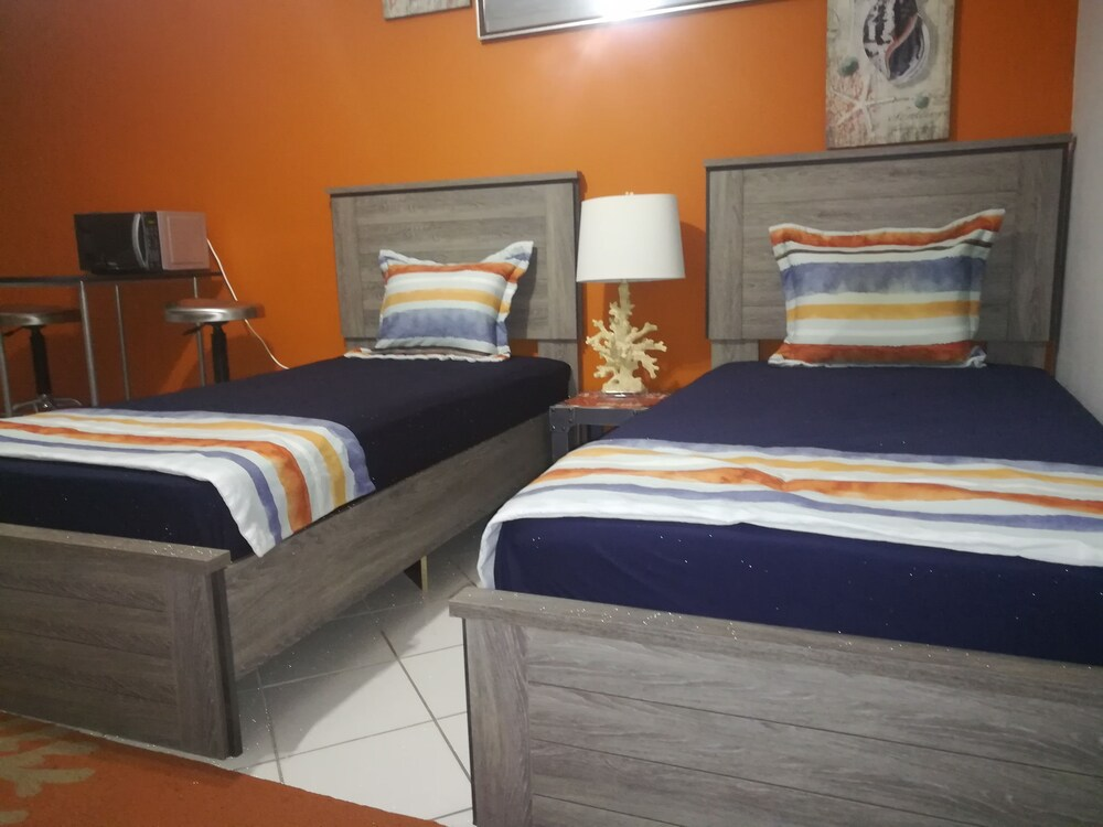 Gallery image of Coral Cove Marina Hotel