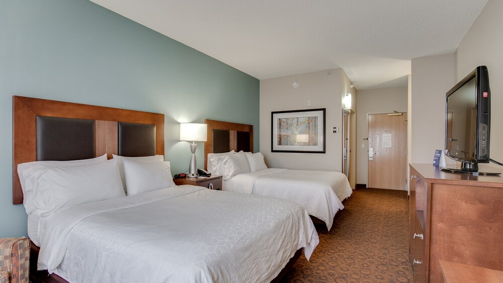 Gallery image of Holiday Inn Express Hotel & Suites St. Cloud
