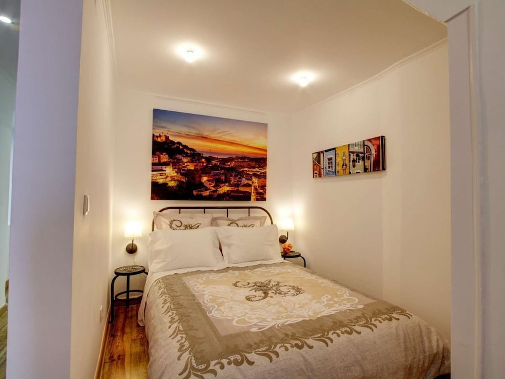 Cozy one bed in the Heart of Alfama w Aircon