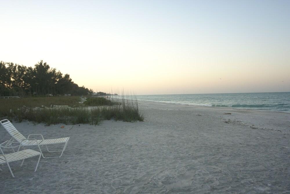 Gallery image of Sandpiper Inn Florida