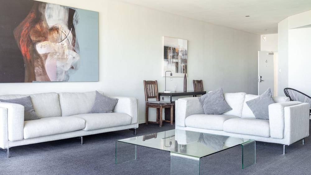 Mullaloo Beach Hotels & Apartments