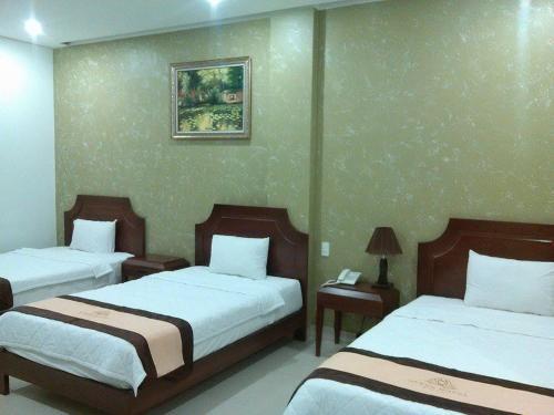 Gallery image of Queen Hotel