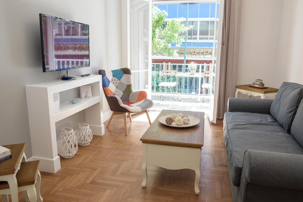 Elegant 2BD Apartment