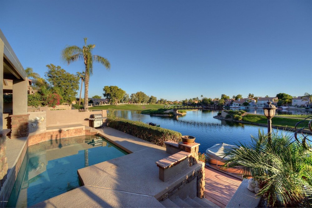 4 BR Ocotillo Home with Pool Heater