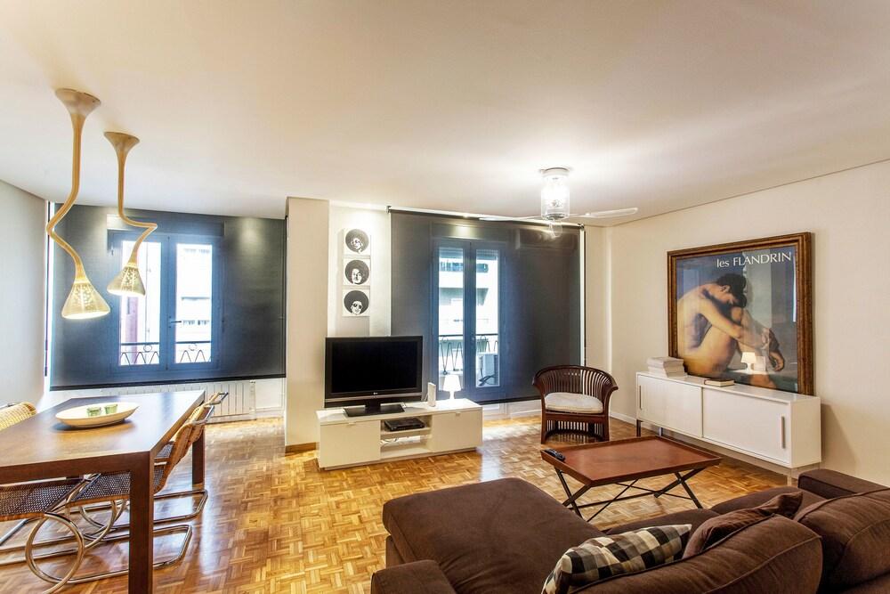 Valencia Flat Rental Apartment Ruzafa Centelles 2