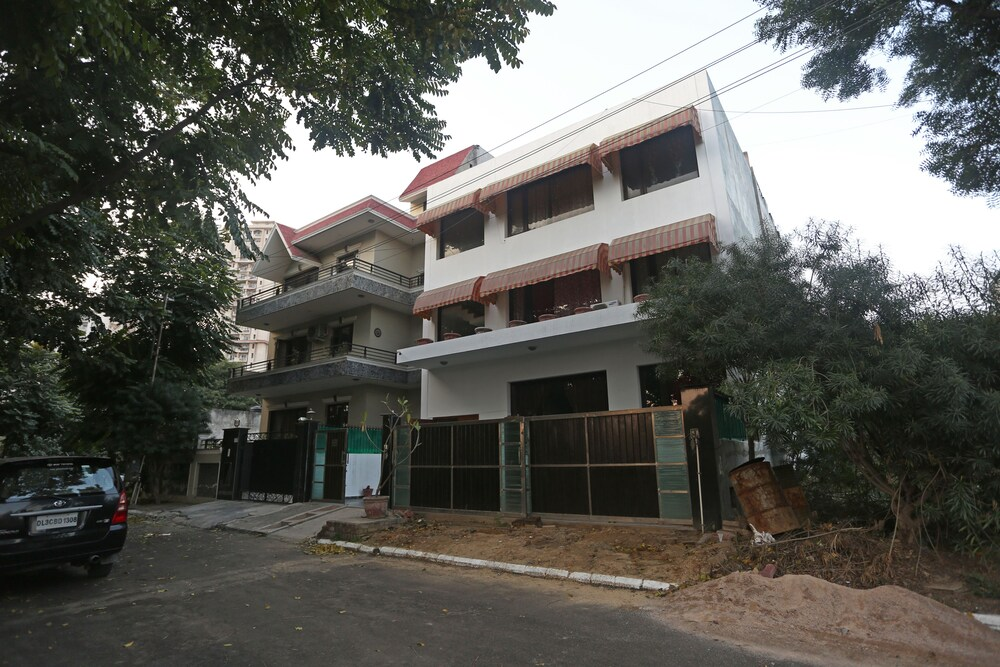 Gallery image of Oyo 8337 Dlf Phase 4