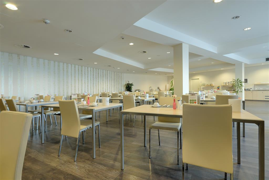 Best Western Hotel City Ost (بست وسترن هتل سیتی اوست) Dining Area